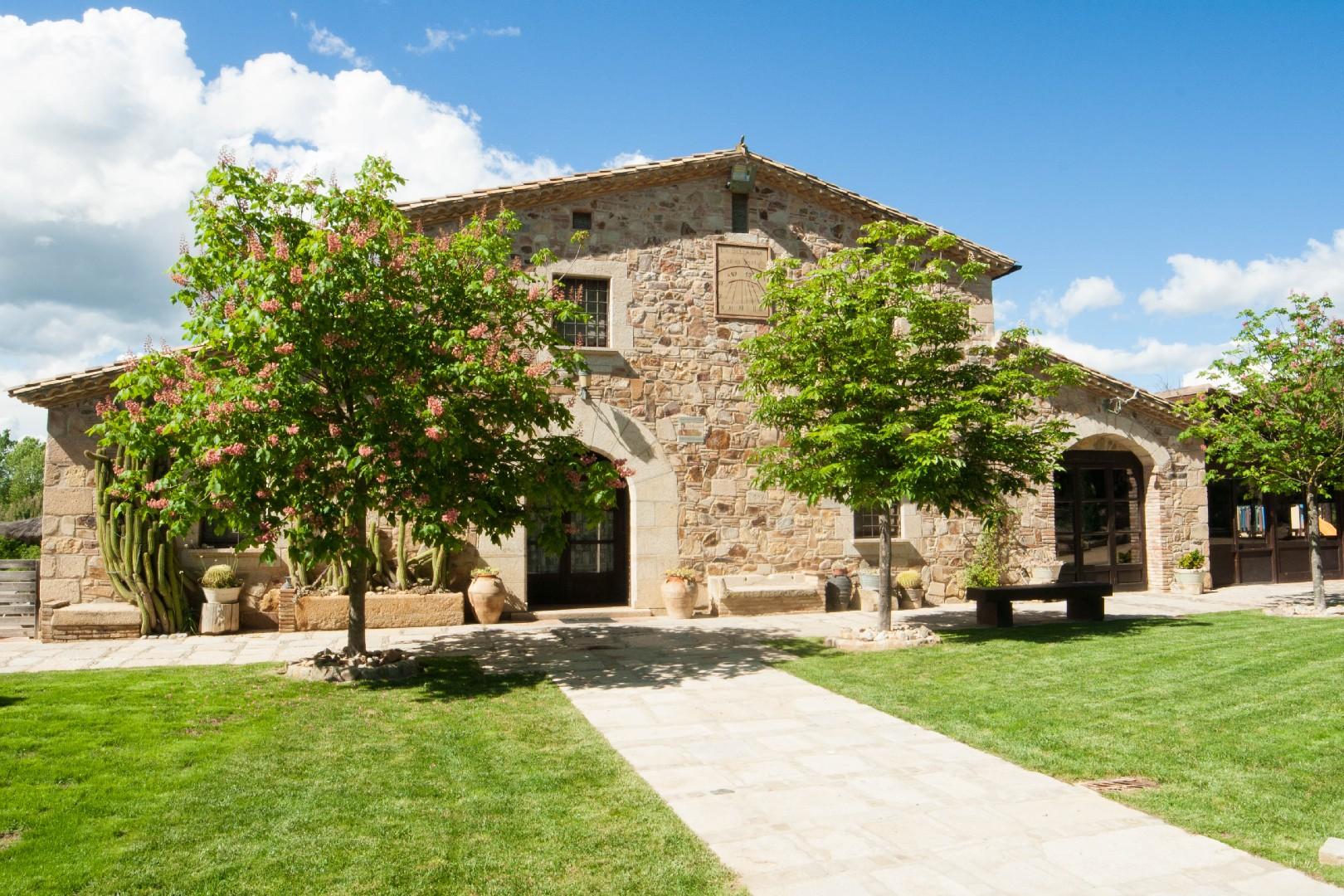 Casa rural costa brava para grupos cerca de barcelona - Casa rural 30 personas ...