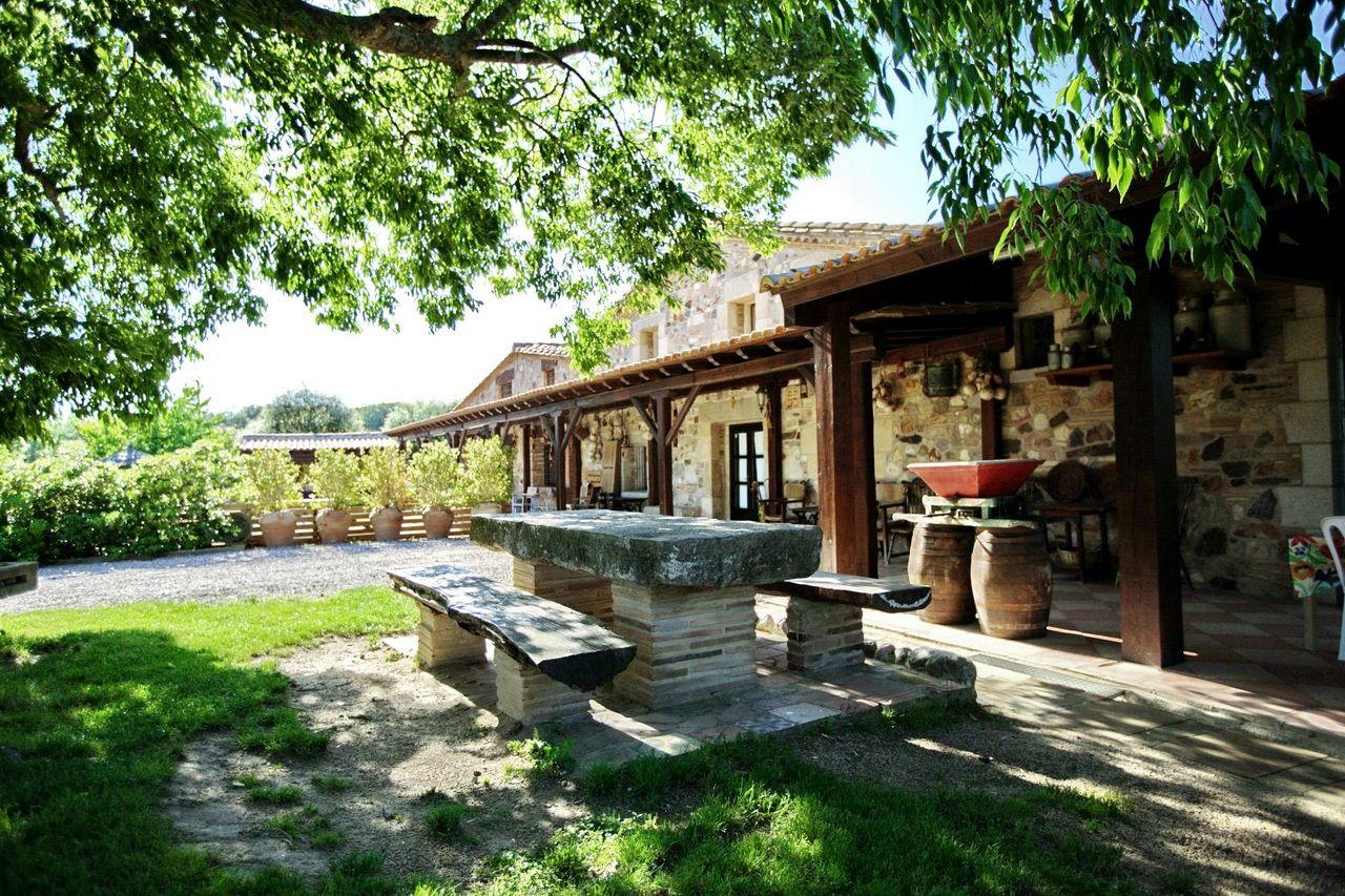 Casa rural costa brava villa mas estrada 23 personas for Casa rural 2 personas piscina privada